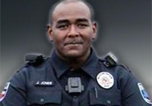 Officer Johnnie Jones (Photo: Northeast PD)
