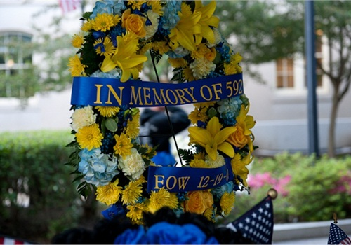 Wreath honoring fallen officer at National Law Enforcement Officers Memorial. (Photo: NLEOMF)