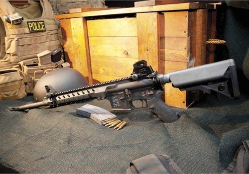 AR-15 rifle (Photo: Mark W. Clark)