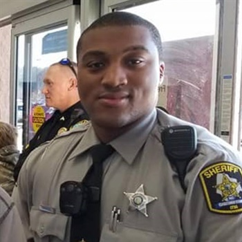 Deputy David Lee'Sean Manning was killed in a crash. (Photo: Edgecombe County Sheriff's Office/Facebook)