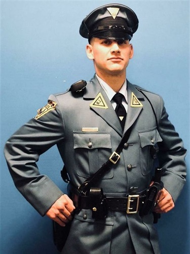 New Jersey Trooper Kenneth Minnes applied used a makeshift tourniquet to save a crash victim. (Photo: NJ State Police)