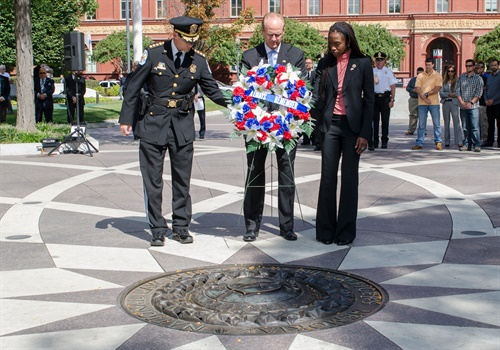 Chief of U.S. Park Police Robert MacLean, NLEOMF President and CEO Craig Floyd, and Deputy Assistant Secretary Aurelia Skipwith attended the 9/11 remembrance ceremony. (Photo: NLEOMF)