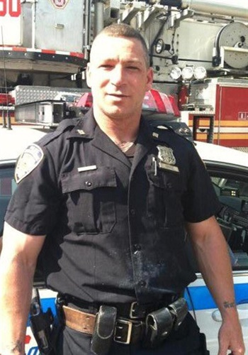 NYPD Officer Michael Hance died of 9/11-related cancer at 44. (Photo: Twitter)