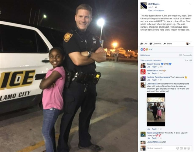 San Antonio Officer Cliff Burns was approached by a young girl on patrol. She just wanted to tell him she wanted to be an officer when she grows up. (Photo: Officer Cliff Burns/Facebook)