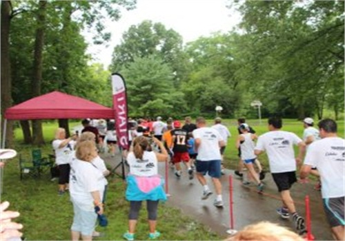 Runners take off during the first annual Streamlight 5K for Concerns for Police Survivors. (Photo: Streamlight)