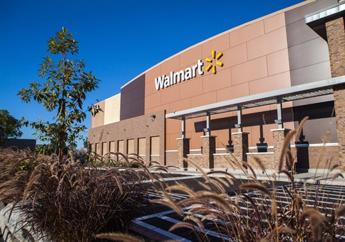 A security guard at a Fort Worth (TX) Walmart store reportedly confronted a couple—a man and a woman—who were trying to take a four-year-old girl from a shopping cart. Image courtesy of Walmart / Facebook.