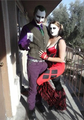 The Millers dressed as the Joker and his moll Harley Quinn. Jerad Miller worked as a costumed performer in Vegas. She worked at Hobby Lobby in the needlework department. Both quit their jobs to join the Cliven Bundy protest.