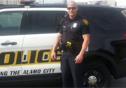 Officer Robert Deckard (Photo: San Antonio PD)