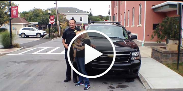 Video: New York Officer Saves Boy with CPR While Driving