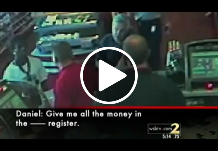 Video: Ga. Man Robs Convenience Store In Front of Cop