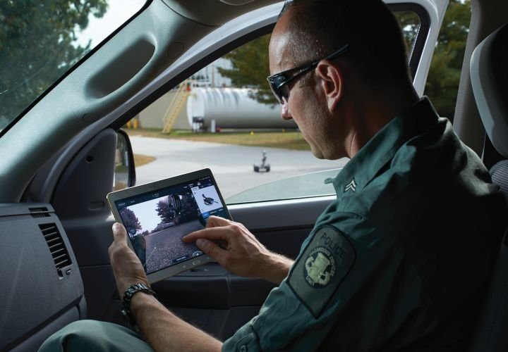 iRobot Unveils Its First Multi-Robot Tablet Controller for First Responders