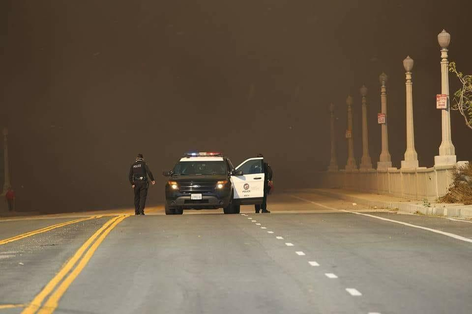 LAPD vehicle at Creek Fire on Foothill Blvd. going over Tujunga wash. (Photo:Greg Doyle)