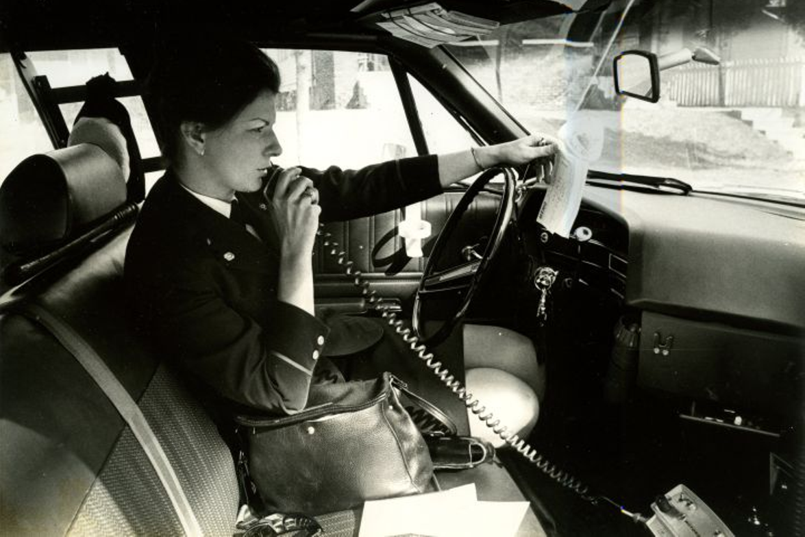 When Indianapolis Police Officer Elizabeth Robinson rode in a squad car, she was required to...