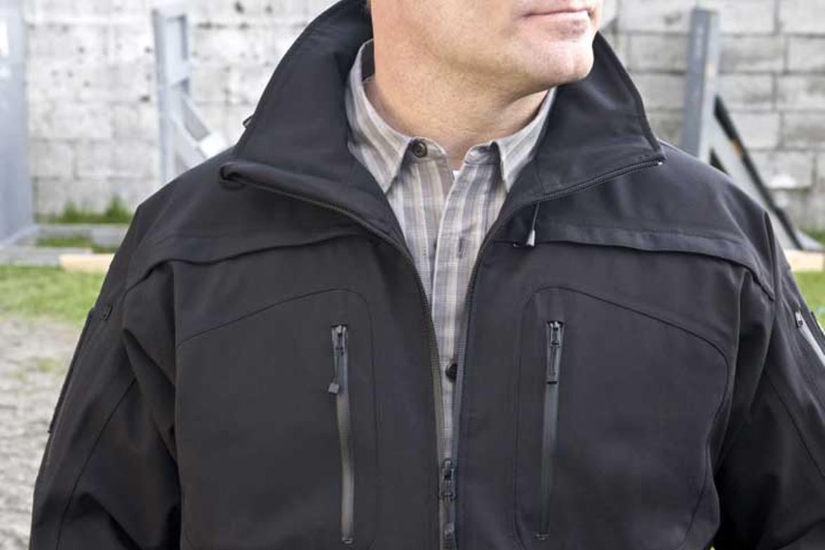 The 5.11 Tactical Sabre 2.0 jacket features the QUIXIP side access  system for fast sidearm...