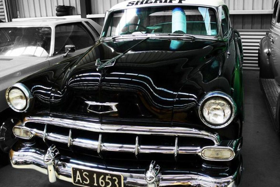 Here's a precursor to the 1959 Chevy Biscayne that set a new standard for law enforcement...