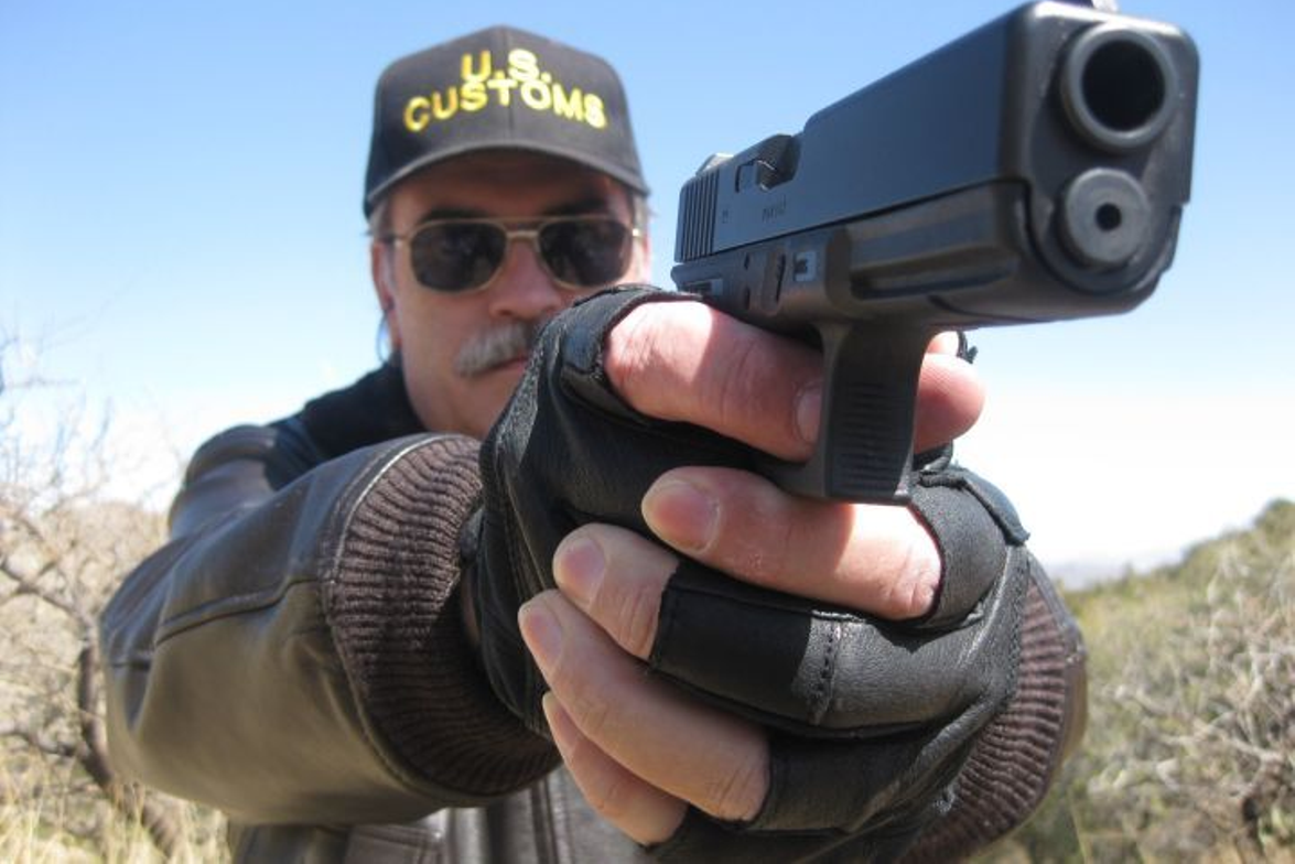 Nick Jacobellis, a retired U.S. Customs Agent and former NYPD officer, reviews the Glock G17 and...