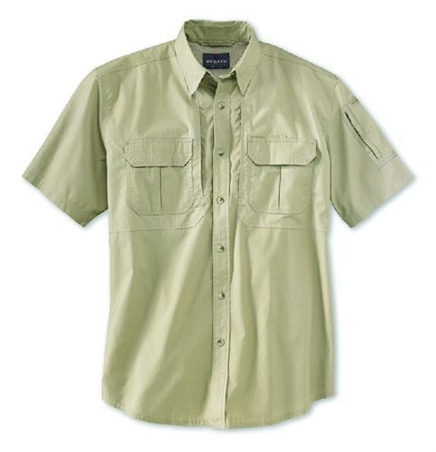 Woolrich's long- and short-sleeve shirts are now also available in a lighter fabric. Lightweight...