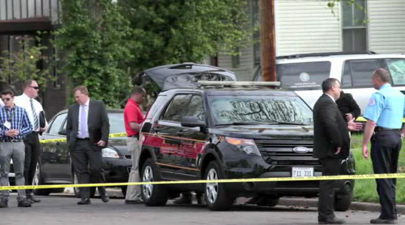 Illinois Officer, Gunman Shot During Search Warrant Service