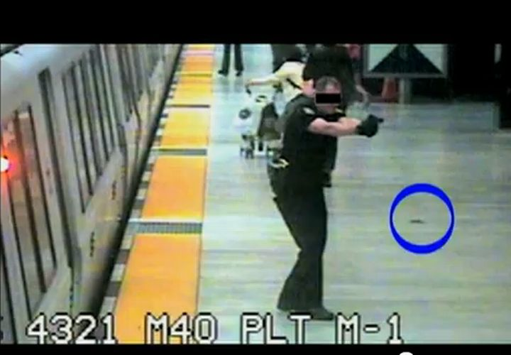 BART Cop Shoots Man with Knife