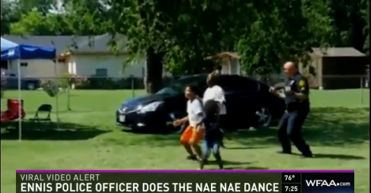 Texas Officer Does Nae Nae Dance with Some Kids