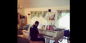 Florida Officer Plays Piano to Comfort Distraught Family