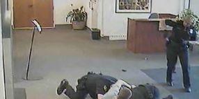 Ore. Man's Gun Grab in City Hall